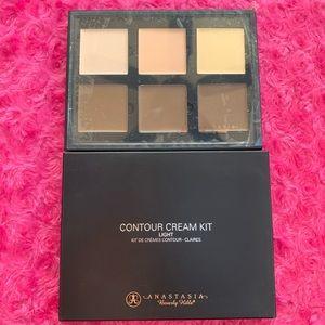 Anastasia Beverly Hills Makeup - NWT Anastasia Contour Cream Kit- Light